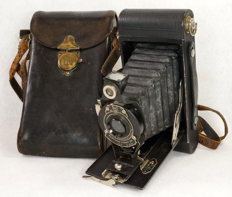 RD14615 Vintage Kodak Hawkeye No 2A Model B Folding Cartridge Camera with Leather Carry Case DSC06523