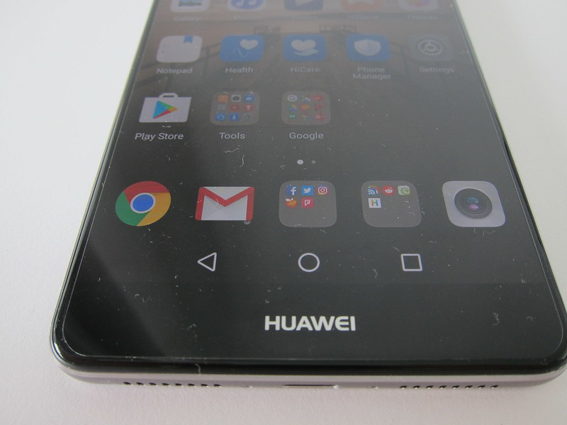 Huawei Mate 9 - Bottom Bezel