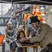 Charles Dickens Goochelaar met leuk assistentje