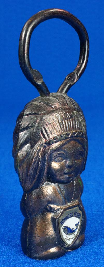 RD15029 Vintage Bottle Opener Native American Indian Bronze Figural Bonners Ferry Idaho Japan DSC06854