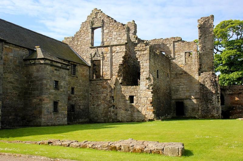 401-Aberdour Castle