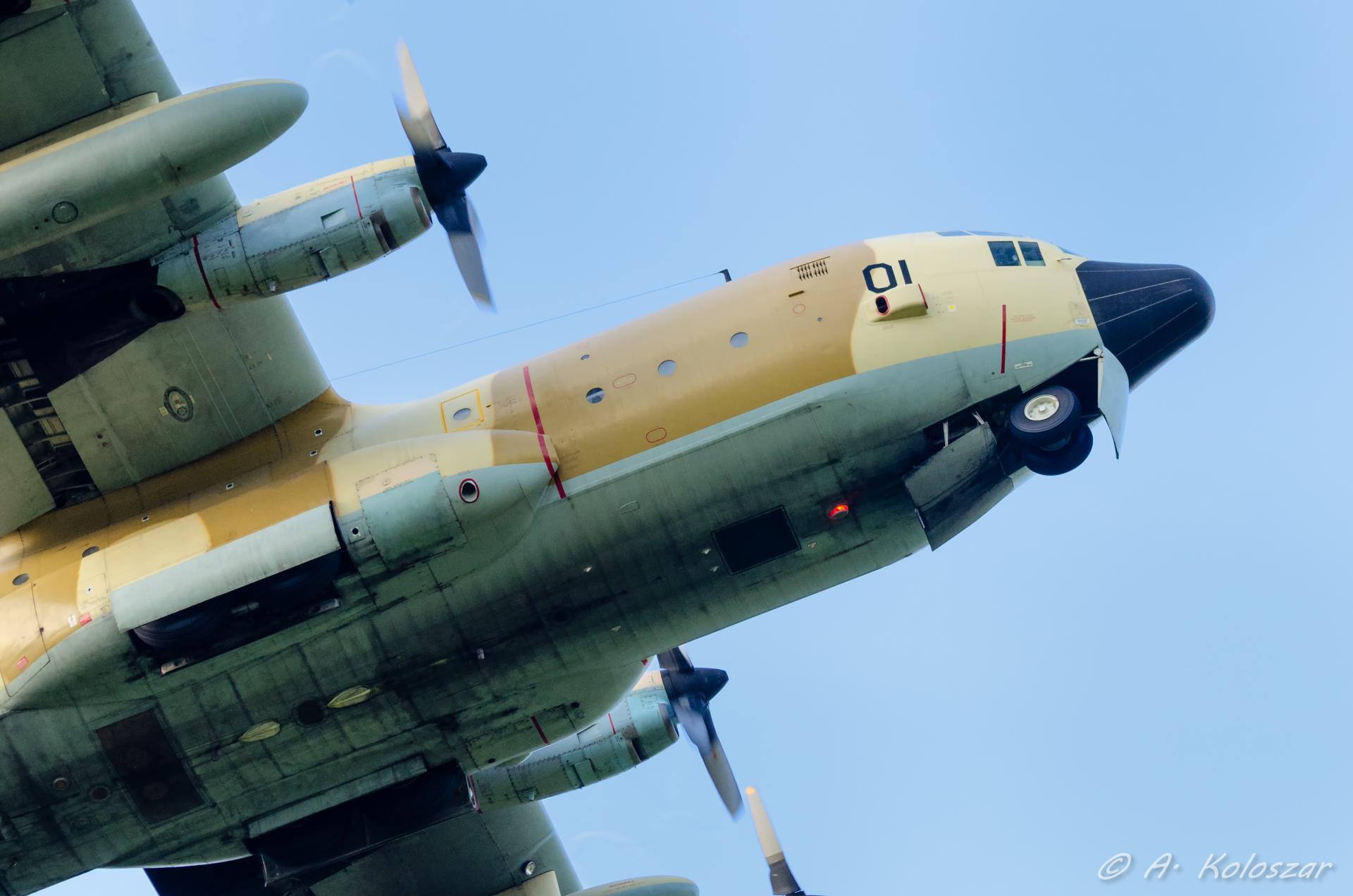طائرات النقل العاملة بالقوات المسلحة المغربية 14510048928_12e1667b16_o