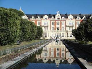 El agua es importante en el Palacio de las Salinas.