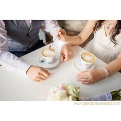 Sneak peek de una pre-boda que documentaremos en varias etapas. Recordando que en este lugar y de esta forma iniciaron su historia de amor: Milena & Miguel #panama #couples #weddingphotographer #love #coffee