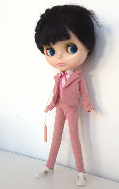 "Pink ""Mark Ryden"" suits for Blythe!"