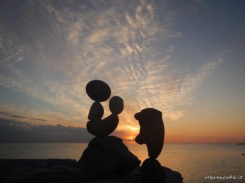 sunrise alba 1001nights sassi ephemeral equilibrio rockbalancing portoverde rebranca adriatcsea 1001nightsmagiccity italy2014