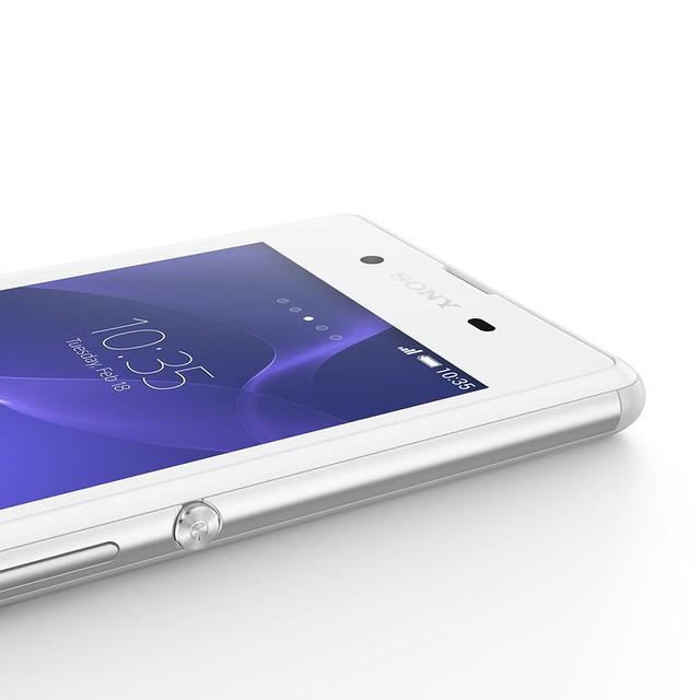 14944733420 6a5c2323ea z Sony Xperia E3