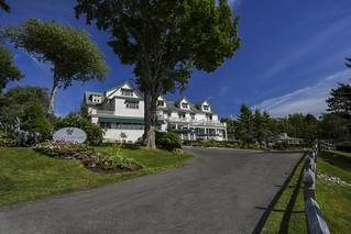 Spruce Point Inn arrival