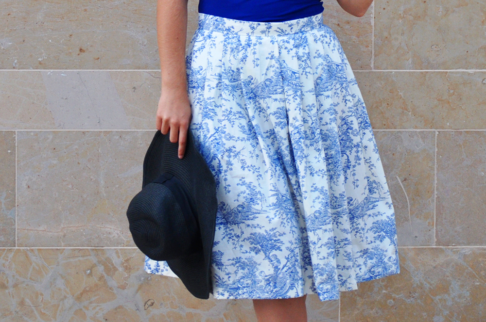 something fashion blog spain valencia bloggers fblogger, sewing machine project DIY midi skirt tutorial HOW TO, toile de jouy fullskirt handmade sew tutorial inspired vintage, easy falda coser costura cómo, nopattern