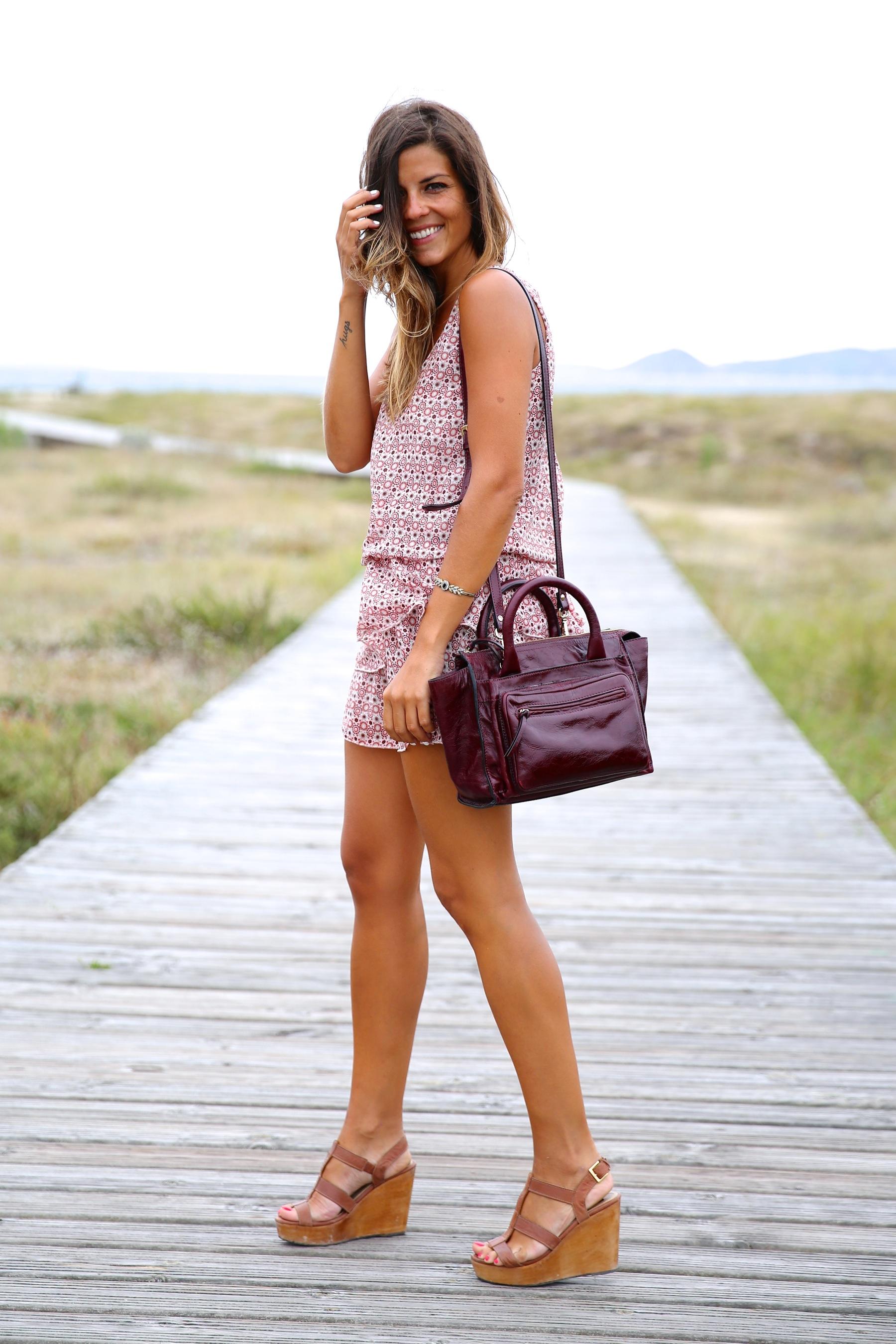 trendy_taste-look-outfit-street_style-ootd-blog-blogger-fashion_spain-moda_españa-boho-beach-playa-galicia-vestido-dress-sandalias-sandals-13