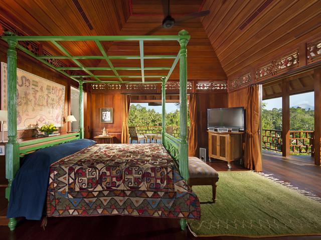 VillaKeliki-ColonialBedroom-hyperioninternational