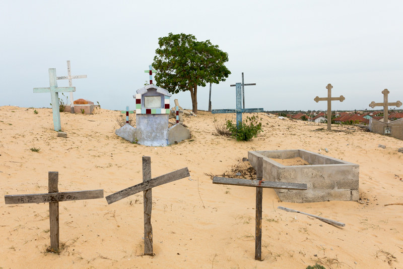 Graveyard on dunes, Point Pedro