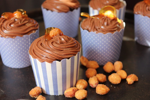 Chocolate & Peanut Butter Cupcakes