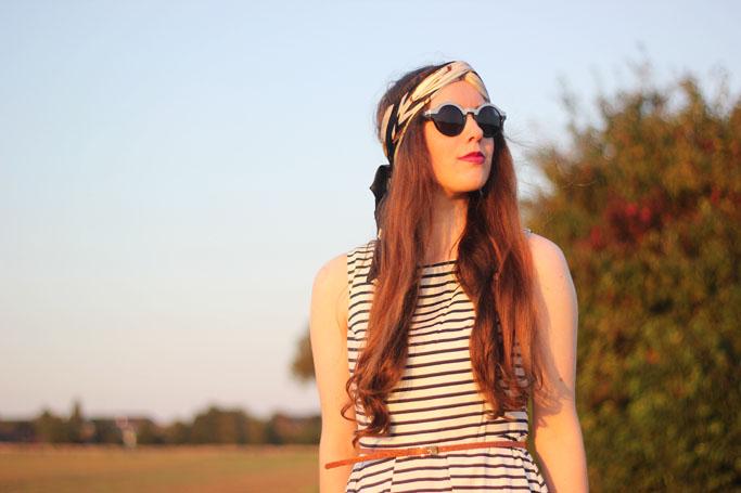 Turban binden anleitung - look mit turban blogger - runde sonnenbrille H&M - turban vintage hairstyle