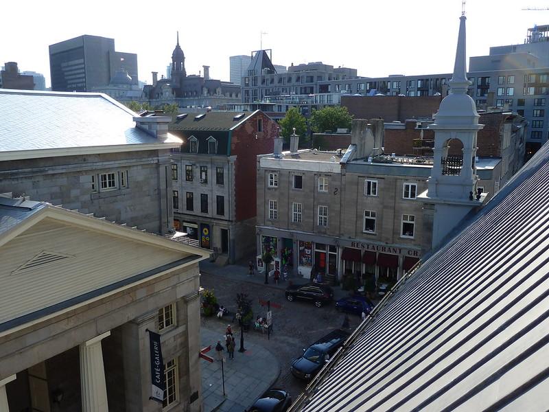 Вид с балкона Notre-Dame de Bon Secours Chapel на Старый Город