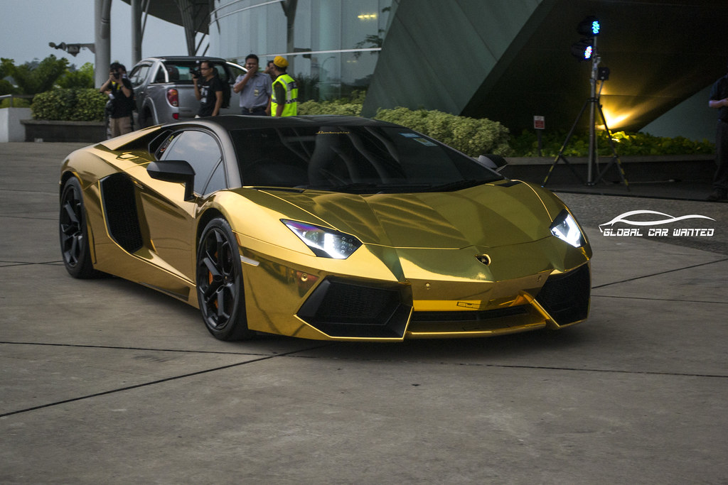 LAMBORGHINI AVENTADOR LP700 4 IN CHROME GOLD