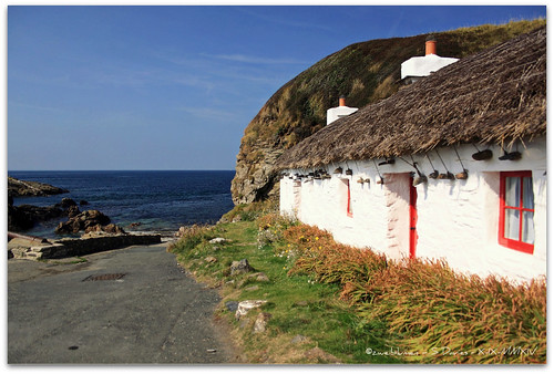 cottage isleofman thatched niarbyl polariser ellanvannin canoneos50d zweiblumen nyarbyl
