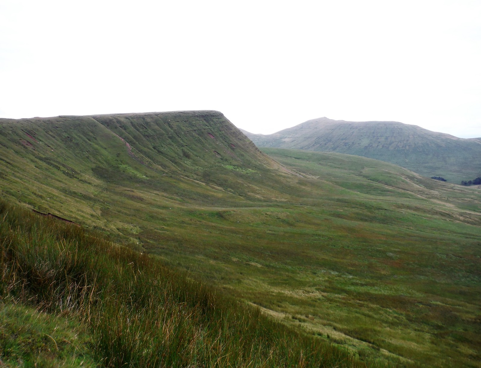 View along Graig Fan Ddu to Fan y Big SWC Walk 278 Breacon Beacons Horseshoe - Bannau Brycheiniog