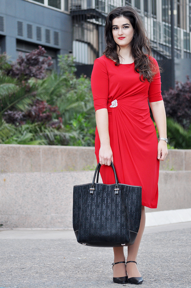 madrid torre titania architecture spain, something fashion traveling sweedy bag carolina herrera, comfortable shoes fashion elegant red dress drapped brooch fashion blogger ideas