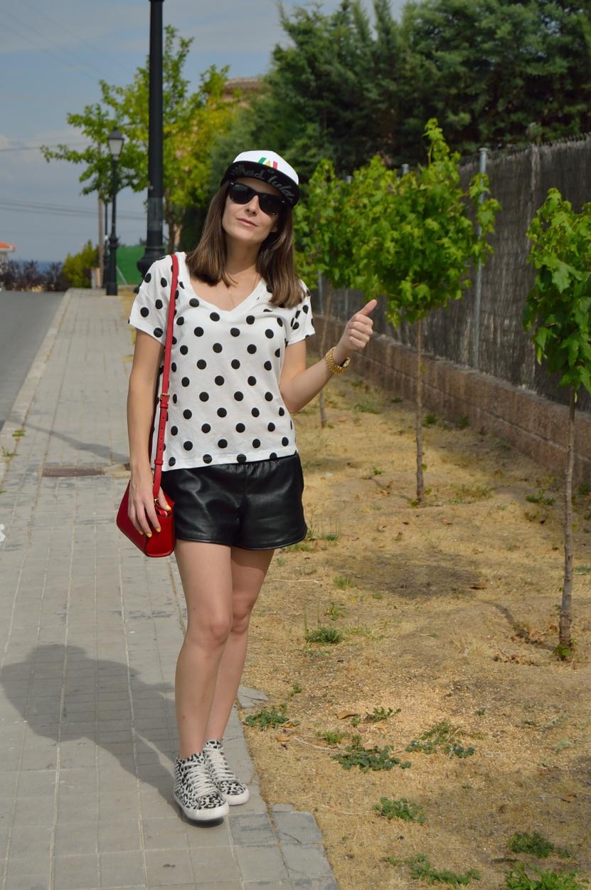 lara-vazquez-madlula-fashion-blog-streetstyle-casual-look