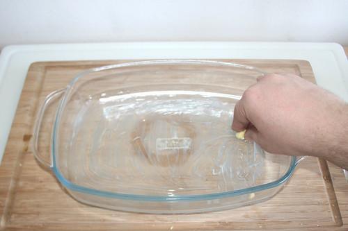 48 - Auflaufform ausfetten / Grease casserole