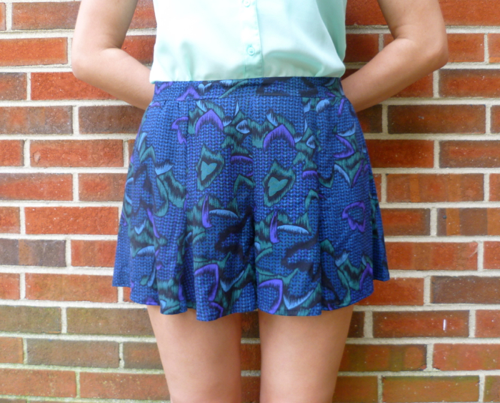 McCall's 6965 Skirt to Culottes Refashion - close up front by Hey, It's SJ