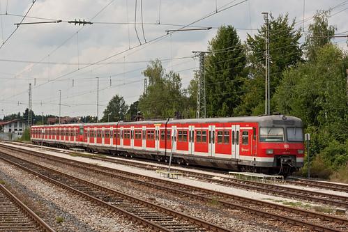 420 453 und 420 471 in Holzkirchen