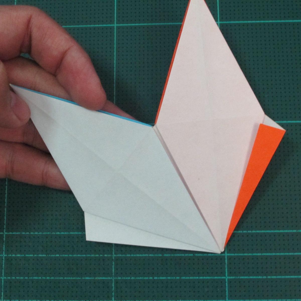 วิธีพับกระดาษเป็นถาดใส่ขนมรูปดาวแปดแฉก (Origami Eight Point Star Candy Tray) 021