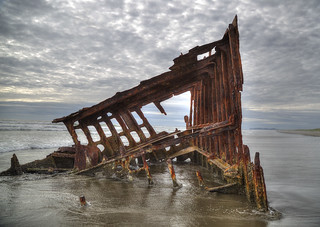 Peter Iredale shipwreck, Fort Stevens State Park, Oregon | by RalphArvesen