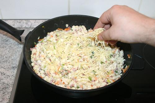 40 - Käse addieren & schmelzen lassen / Add cheese & let it melt