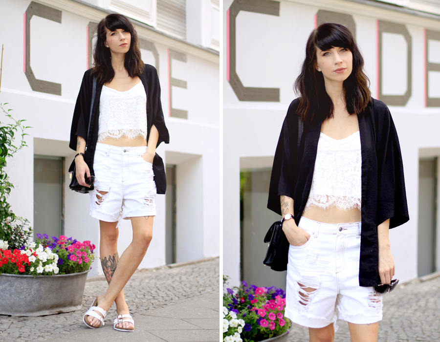 Sojeans white summer sale look styling ripped jeans lace top birkenstock OOTD fashionblogger style Ricarda Schernus Berlin blogger CATS & DOGS 6