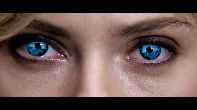 lucy-2014-movie-screenshot-blue-eyes