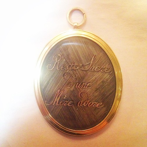 Sacred Memento of a beloved mother. 18k mourning locket - early 19th century, French. One of the best I've ever seen.