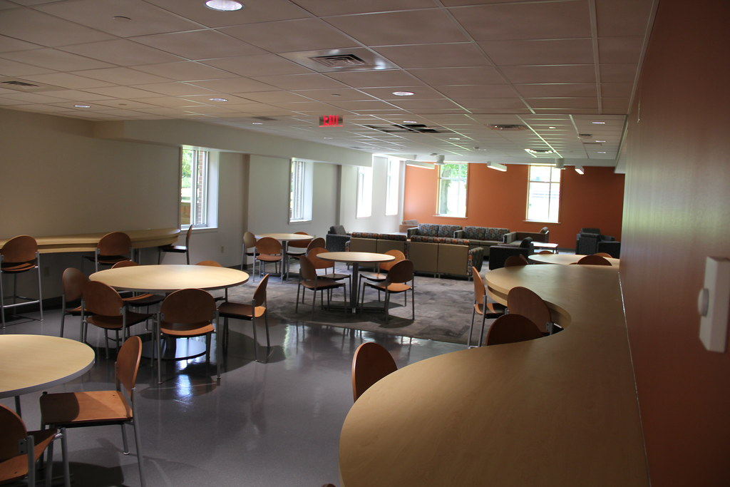 Commons, Loretta's Kitchen and Student Lounge Construction (Aug. 2014)