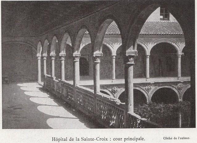 Hospital de Santa Cruz a comienzos del siglo XX. Fotografía de Élie Lambert publicada en su libro Les Villes d´Art Célebres: Tolède (1925)
