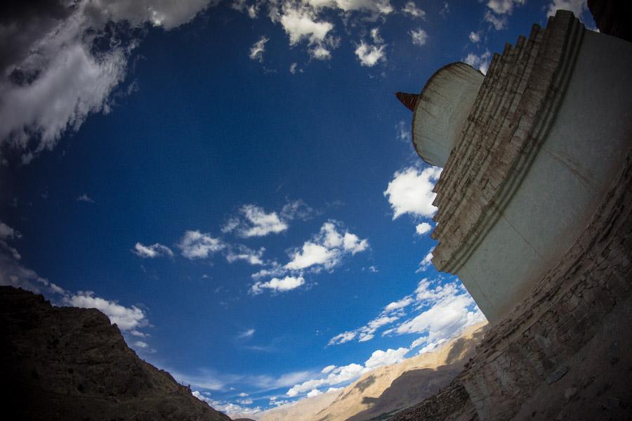 Чортены на подъезде к Хемис гомпе. Монастыри Ладакха (Монастыри малого Тибета) © Kartzon Dream - авторские путешествия, авторские туры в Ладакх, тревел фото, тревел видео, фототуры