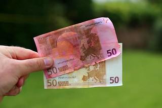 Damaged Irish banknote replacement