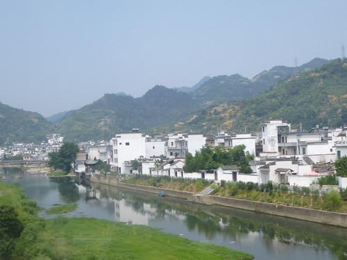 Anhui-Hangzhou-Tunxi-bus (125)