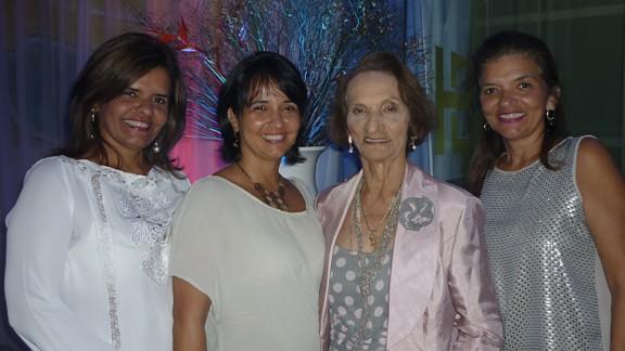 Ana Elvira Alho, Laís Alho Sá, Déa Alho e Maria Clara Imbiriba