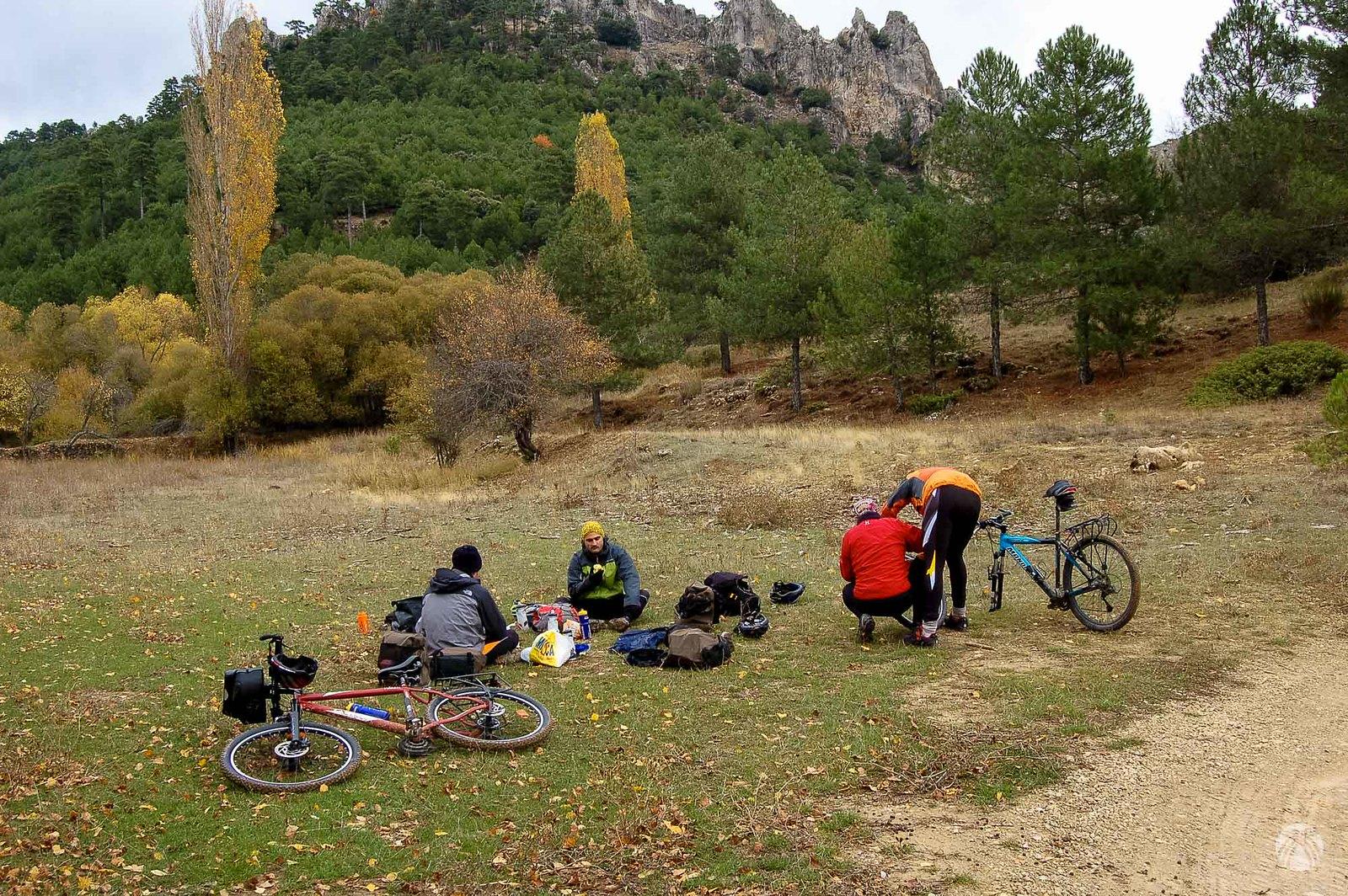 Almuerzo en el prado de la Cañada del Saucar