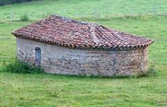 Mouzieys-Teulet.Ancien four à pain.