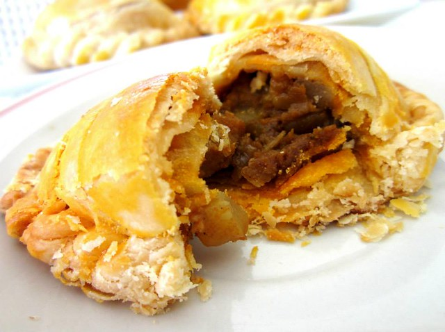 Farley bakery curry puffs
