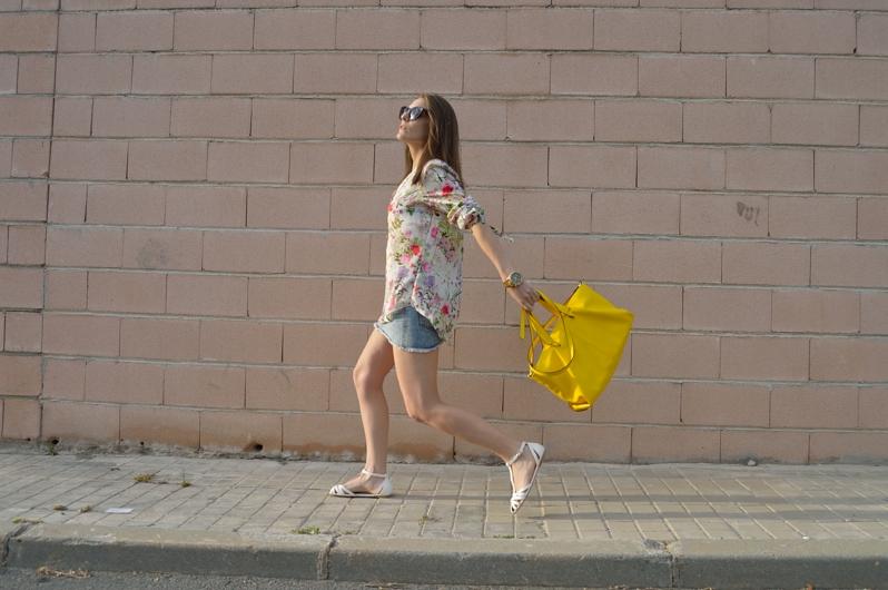 lara-vazquez-madlula-blog-yellow-bag-look