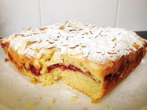Raspberry Ground Almond and Semolina Bakewell Cake