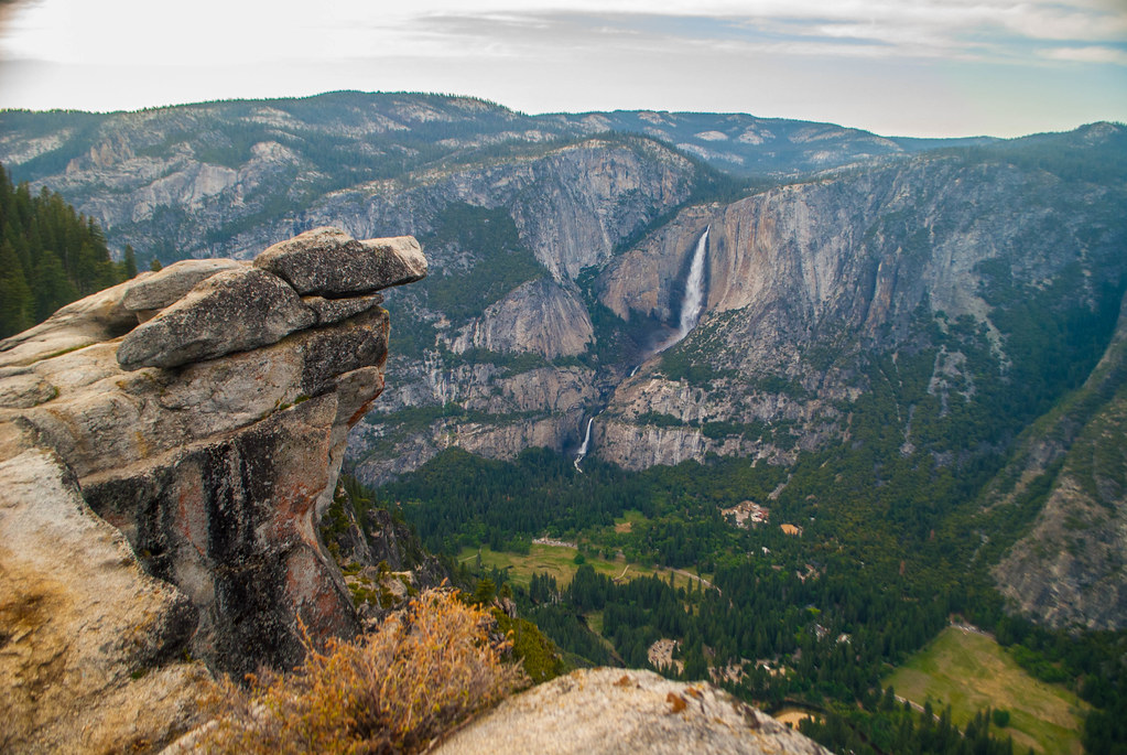 Hanging Rock Overlooking Yosemite Falls