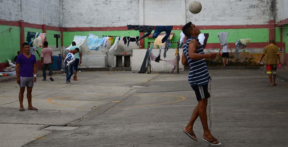 Futbol en la carcel4