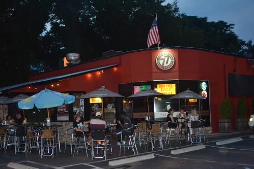 039 Burger Tavern 77