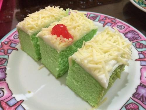 cake pandan keju putih telor
