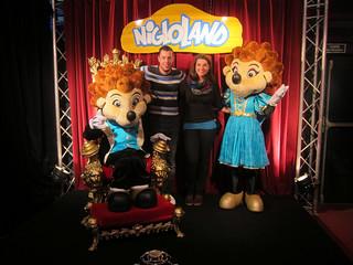 Journée à Nigloland - La photo souvenir avec Niglo & Niglotte ! :D