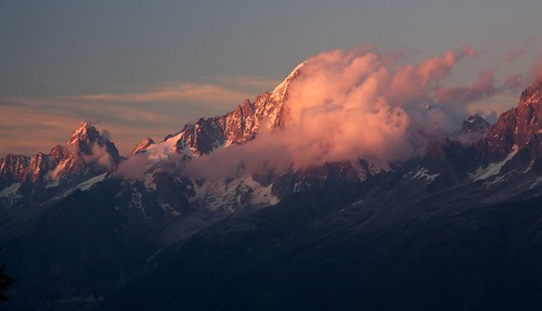 sunset sky mountain alps clouds landscape golden peak glacier mountaineering chamonix alpenglow alpinisme chamonixmontblanc aiguilleverte bannercloud benjaminhallphotocom